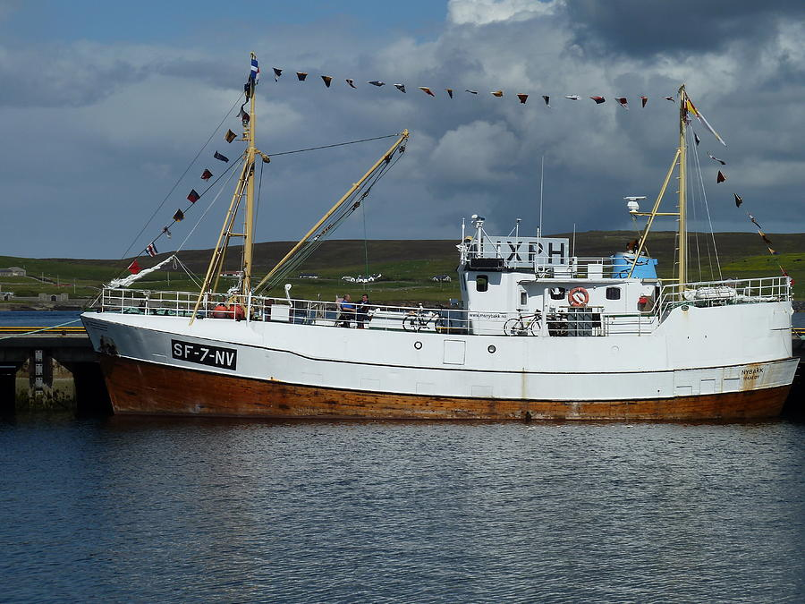 Boat Photograph - Sf-5-nv Visiting Shetland by George Leask