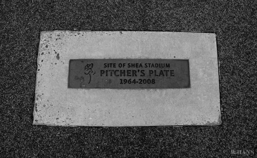 Shea Stadium Photograph - Shea Stadium Pitchers Mound In Black And White by Rob Hans