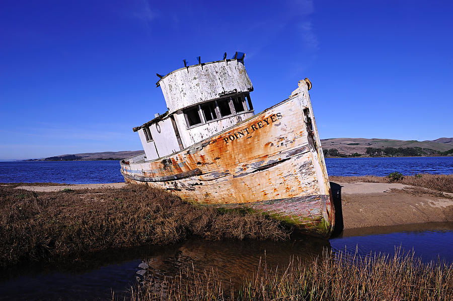 Inverness Photograph - Shipwrecked In Inverness by Richard Leon