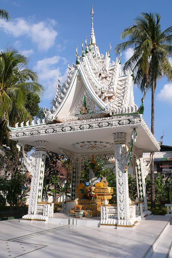 Shrine Photograph - Shrine At Wat Inpeng by Gregory Smith