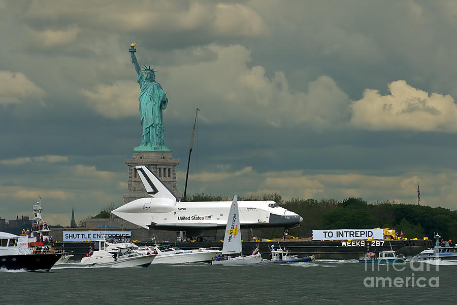 Space Shuttle Photograph - Shuttle Enterprise 3 by Tom Callan