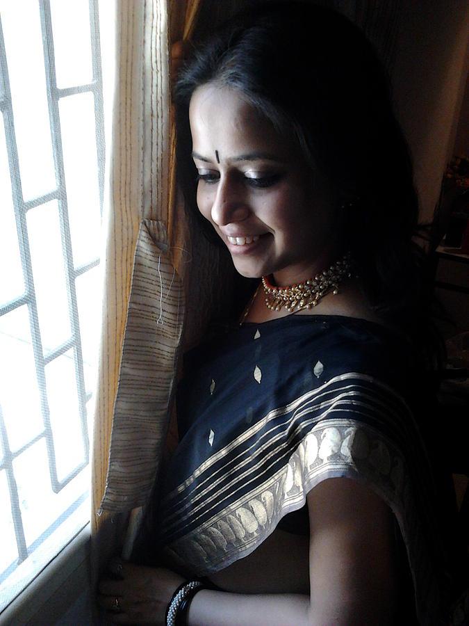 Anula Bedekar hot bhabhi