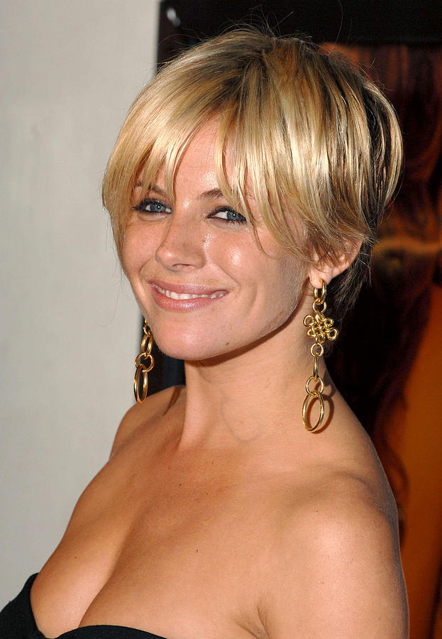 Premiere Photograph - Sienna Miller At Arrivals For Casanova by Everett