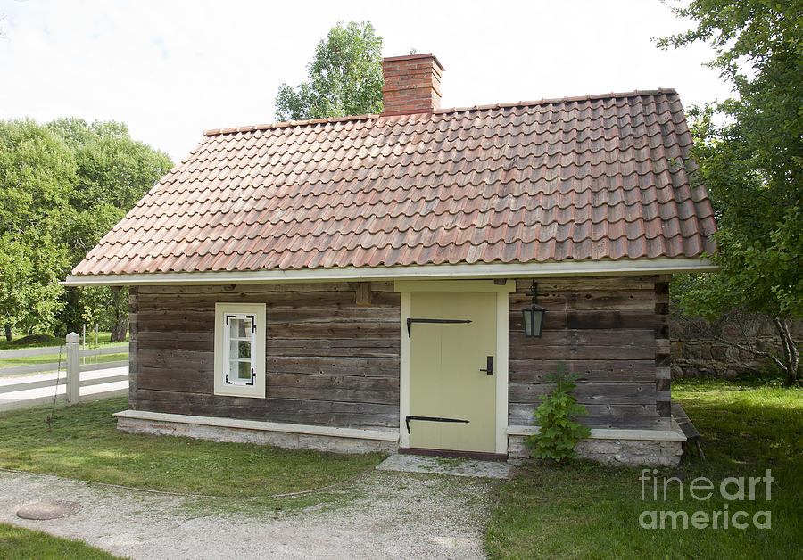 Architectural Detail Photograph - Small Wood Building by Jaak Nilson