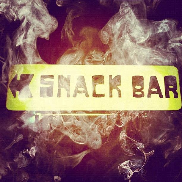 Foto Photograph - Smoke Bar by Vicente Marti