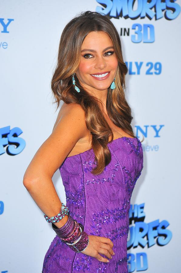 Premiere Photograph - Sofia Vergara Wearing Lorraine Schwartz by Everett