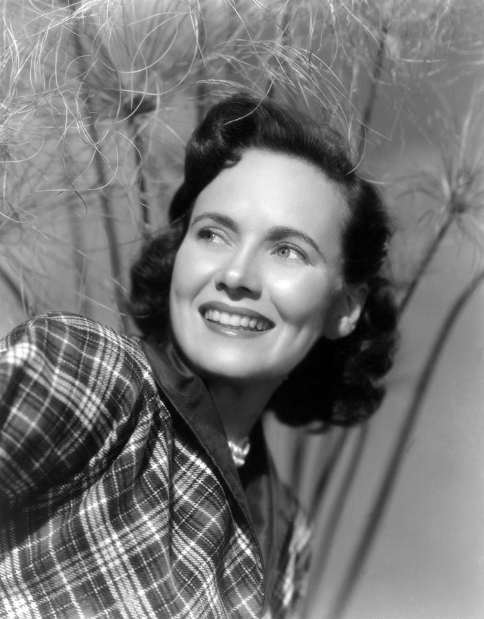 1952 Movies Photograph - Something To Live For, Teresa Wright by Everett