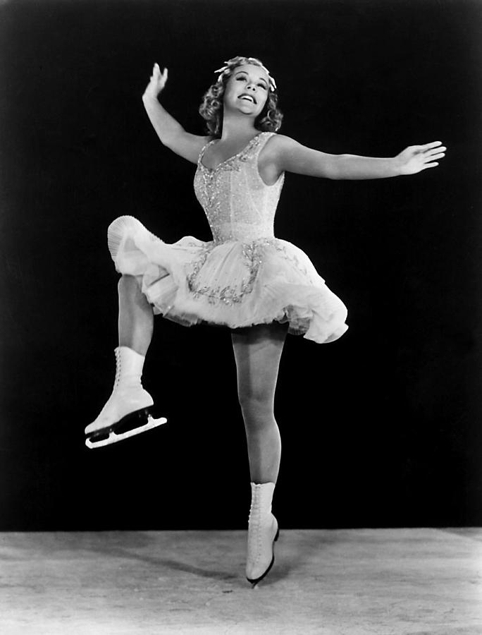 Sonja Henie In The Hollywood Ice - 43.4KB