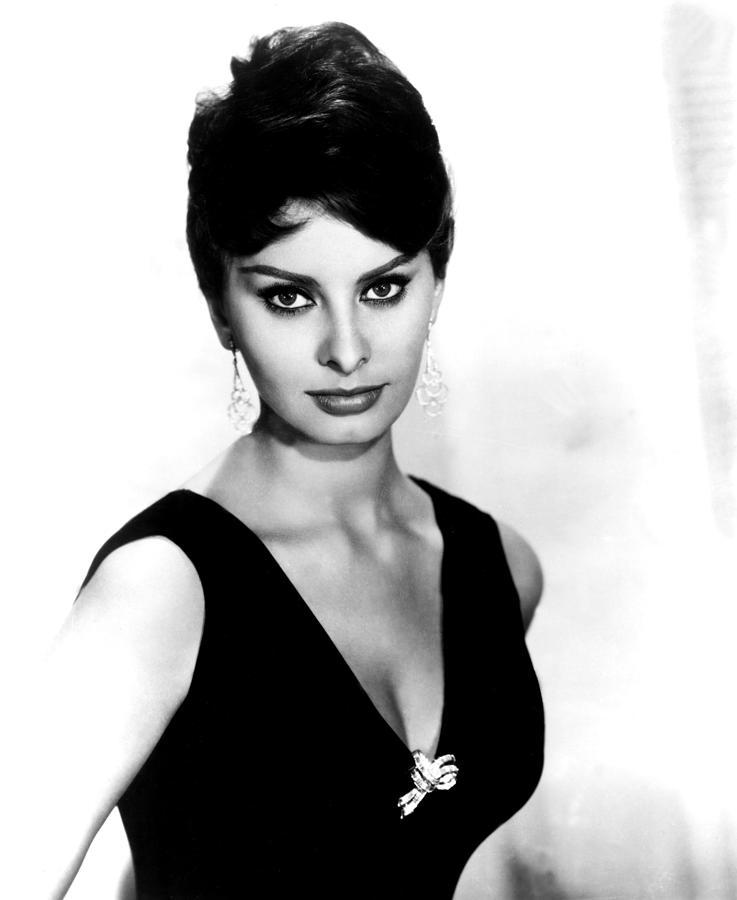 Black Dress Photograph - Sophia Loren, 1960 by Everett