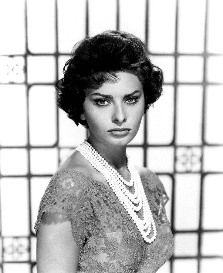 Eyeliner Photograph - Sophia Loren, Circa 1950s by Everett