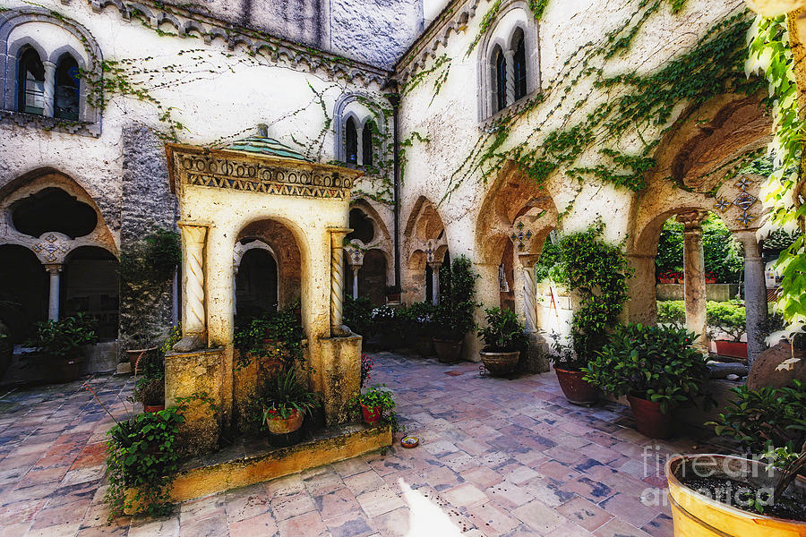 Italian Villa Courtyard Www Pixshark Com Images Galleries With A Bite