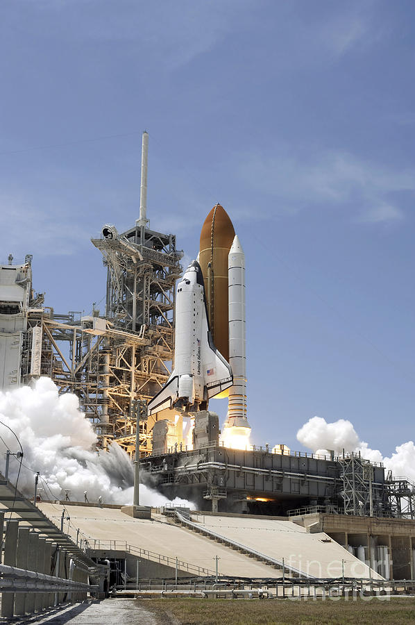 Florida Photograph - Space Shuttle Atlantis Twin Solid by Stocktrek Images