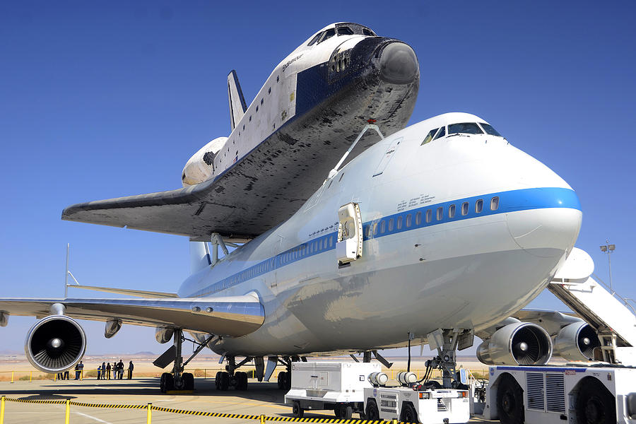 where is endeavour space shuttle right now - photo #1