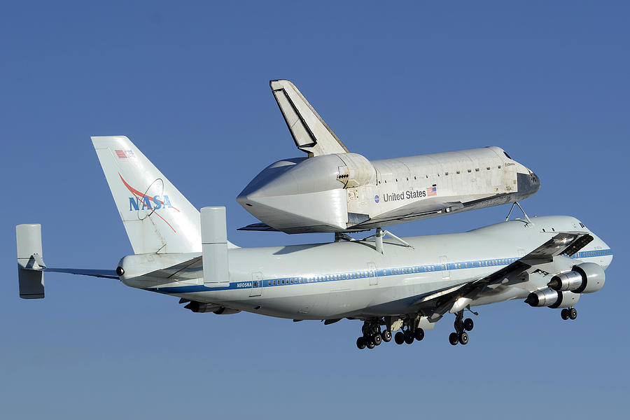 space shuttle taking off - photo #49