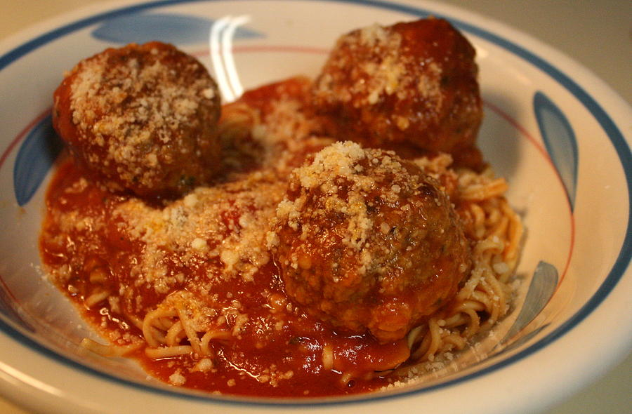 Spaghetti Photograph - Spaghetti And Meatballs by Anne Babineau