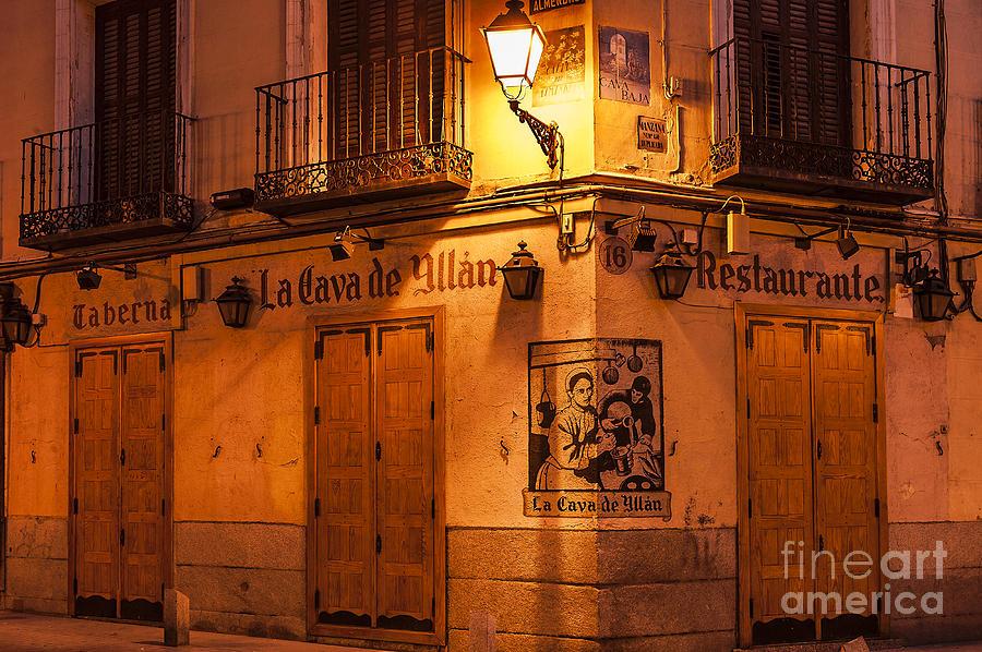 Madrid Photograph - Spanish Taberna by John Greim