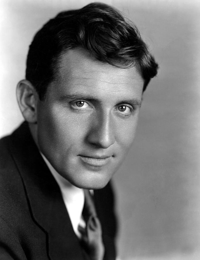 Portrait Photograph - Spencer Tracy, 22133 by Everett