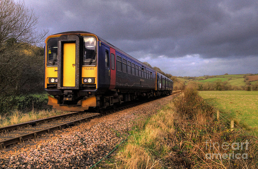 Train Photograph - Sprinters At Scoop by Rob Hawkins