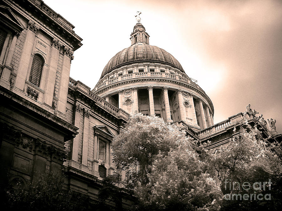 London Photograph - St. Pauls Cathedral by Thanh Tran
