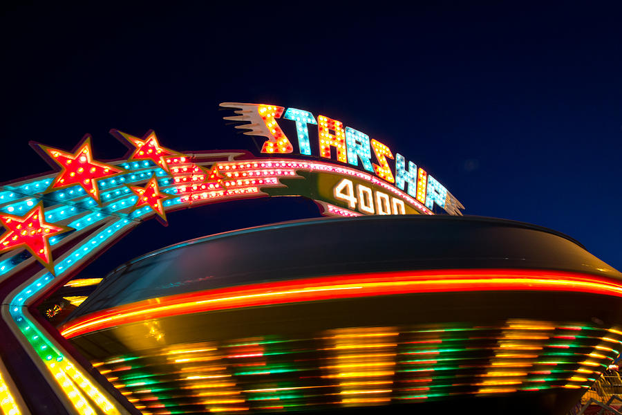 Cne Photograph - Starship 4000. by Giancarlo Sherman