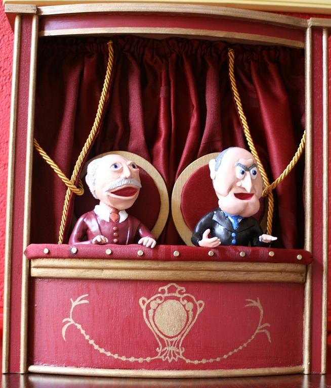 Statler and waldorf at their balcony sculpture by tamara for Balcony muppets