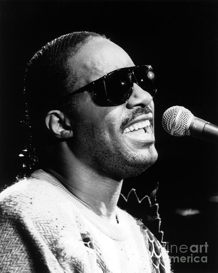 Stevie Wonder Photograph - Stevie Wonder 1986 by Chris Walter