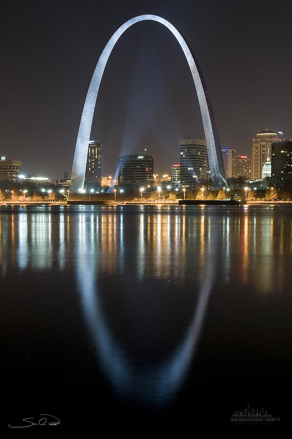 Stlouis Arch Reflection