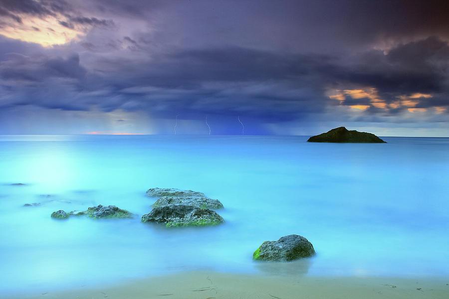 Horizontal Photograph - Storm by Oscar Gonzalez