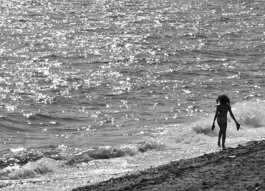 Sea Photograph - Strolling On Connecticut Beach by Cindy Lee Longhini