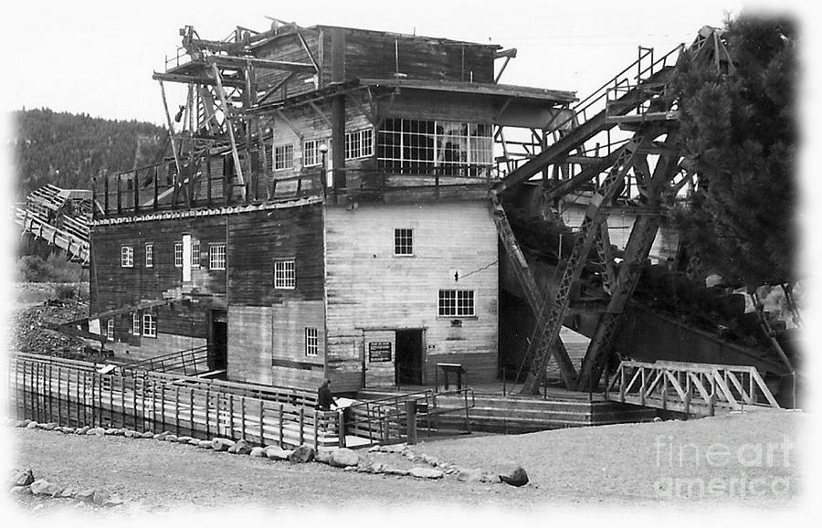 Sumpter Photograph - Sumpter Valley Gold Dredge by Charles Robinson