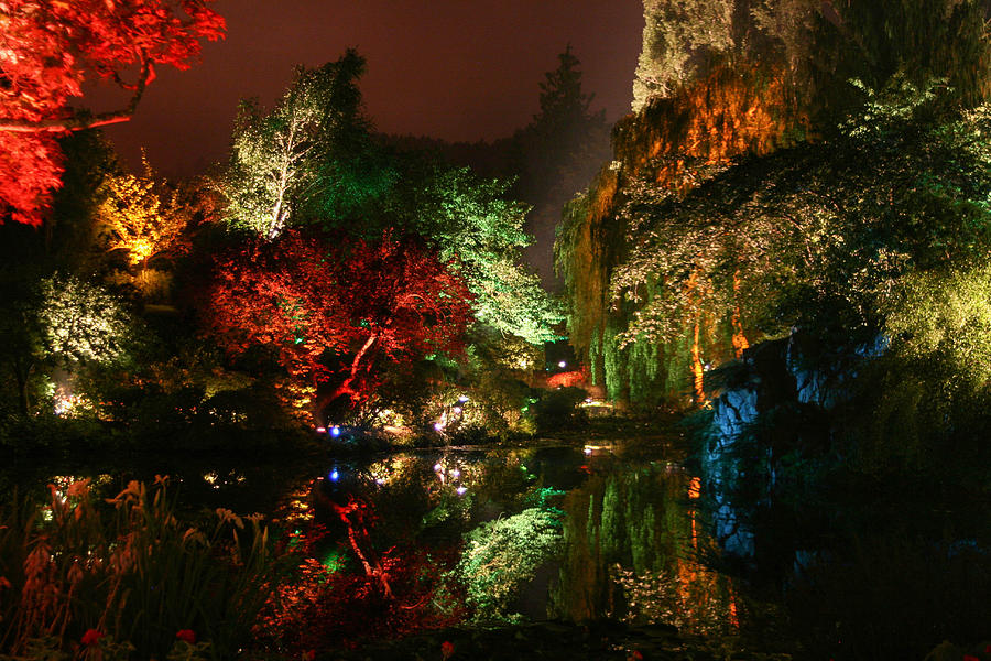 Buchart photograph sunken garden at night by kevin maguire