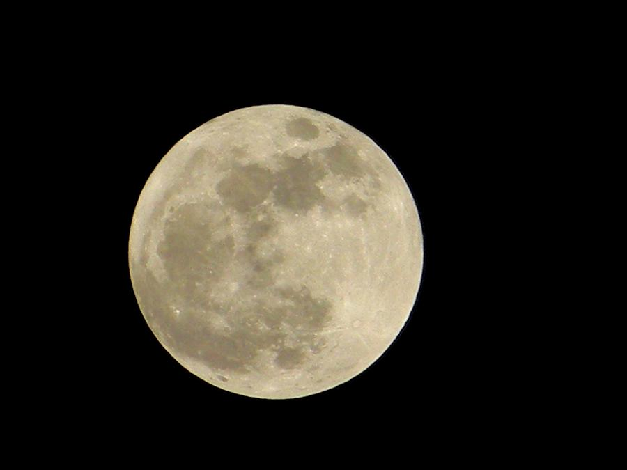 Super Moon Full Color Photograph By Warren Thompson
