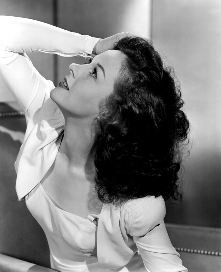 Hand On Head Photograph - Susan Hayward, 1941 by Everett