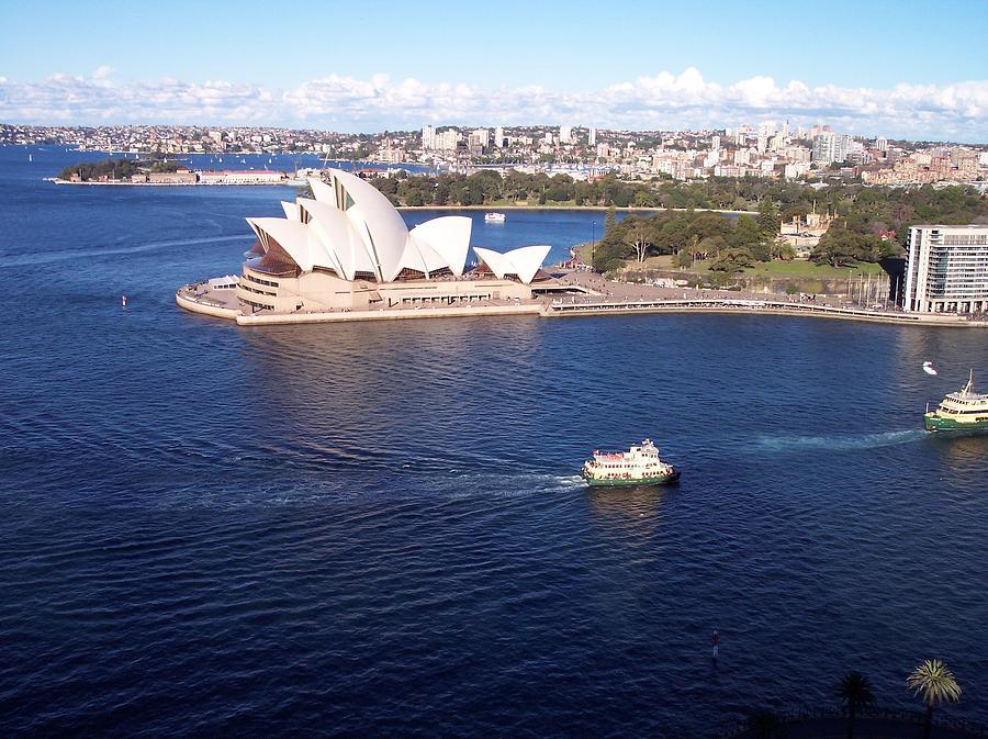 Sydney Opera House by Marlene Challis