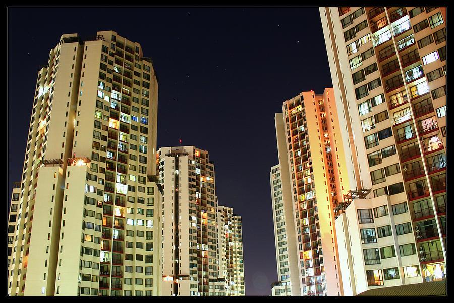 Horizontal Photograph - Taman Rasuna Apartments by Simonlong
