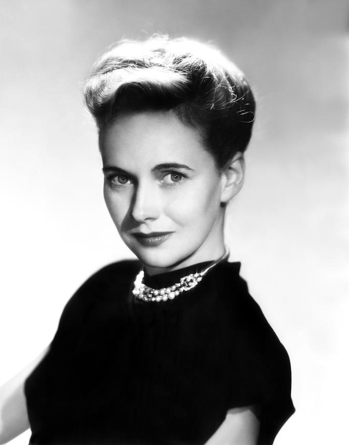 Portrait Photograph - Teresa Wright, 1945 by Everett