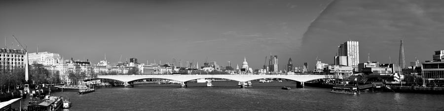 Festival Pier Photograph - Thames Panorama Weather Front Clearing Bw by Gary Eason