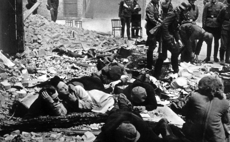 History Photograph - The Destruction Of The Warsaw Ghetto by Everett