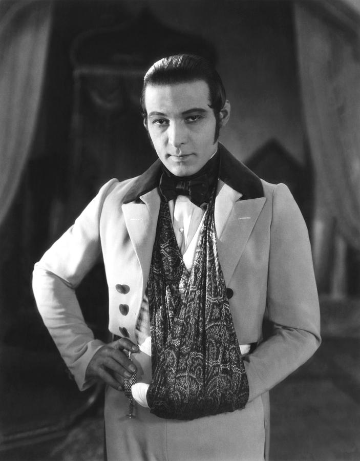 1920s Candid Photograph - The Eagle, Rudolph Valentino, On-set by Everett