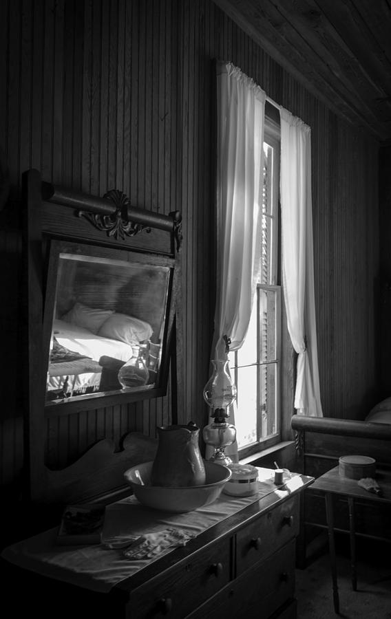 Bedroom Photograph - The Empty Bed by Lynn Palmer