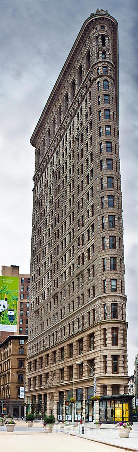 Manhattan Photograph - The Flat Iron Building by John Farnan