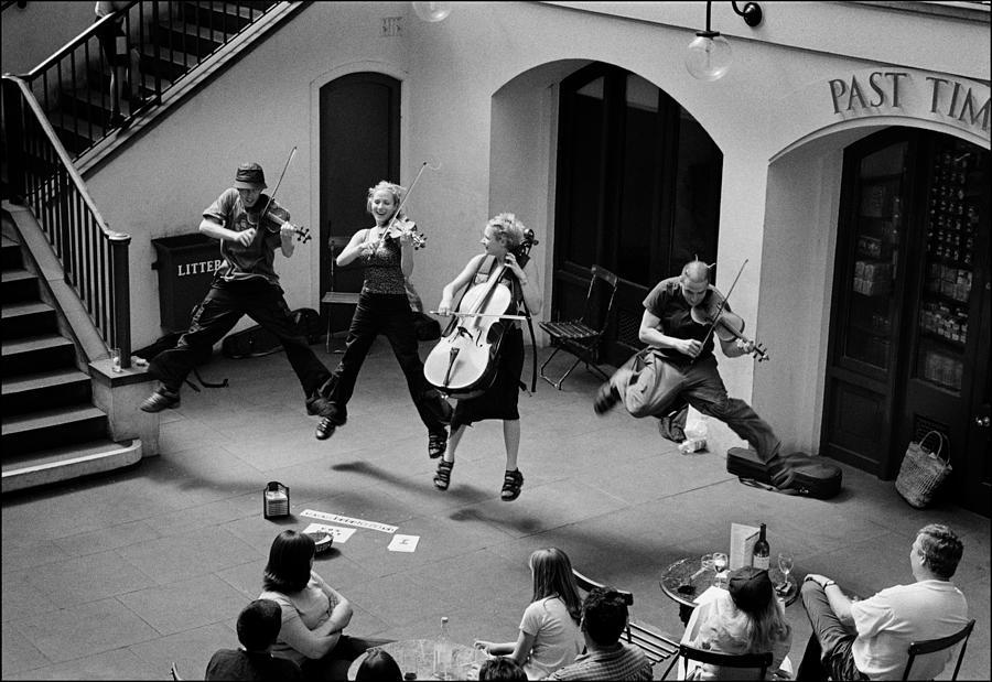 Quartet Photograph - The Flying Quartet Covent Garden by Aldo Cervato