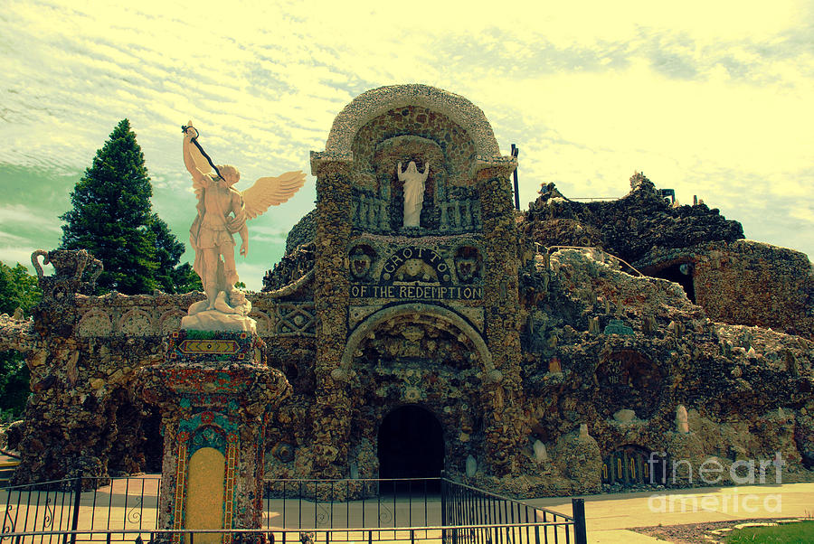 The Grotto Of The Redemption Photograph - The Grotto In Iowa by Susanne Van Hulst