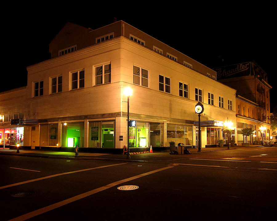The Hub Photograph - The Hub In Coos Bay Oregon by Gary Rifkin
