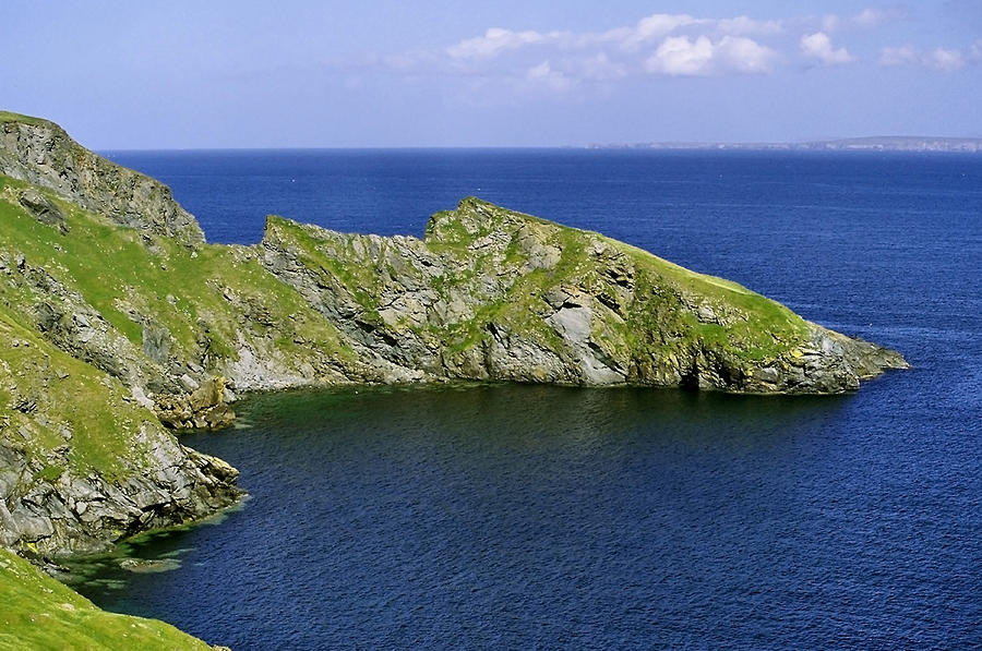 Headland Photograph - The Kame Of Isbister by Steve Watson