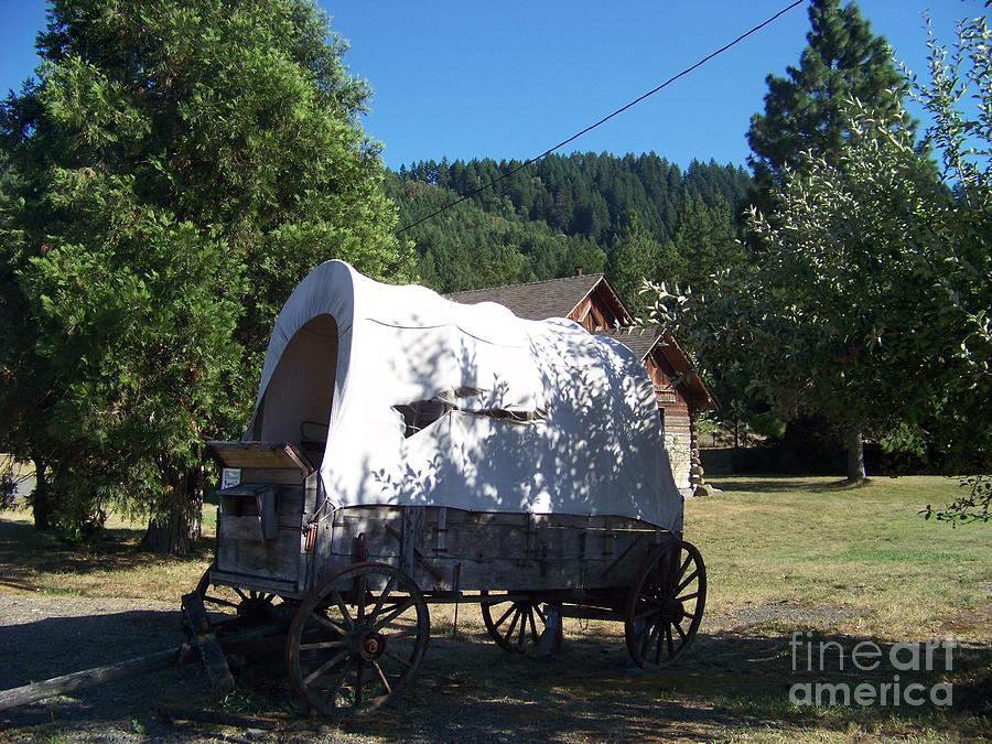 Covered Wagon Photograph - The Last Leg In Color by Charles Robinson