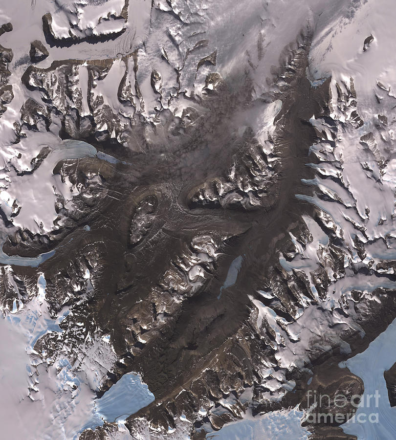 Mcmurdo Sound Photograph - The Mcmurdo Dry Valleys West Of Mcmurdo by Stocktrek Images