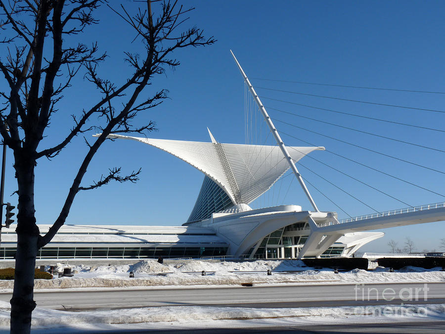 Milwaukee Art Museum Photograph - The Museum In Winter by David Bearden