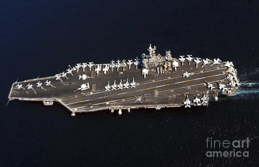 Future russian aircraft carriers. #2 - Page 3 The-nimitz-class-aircraft-carrier-uss-stocktrek-images