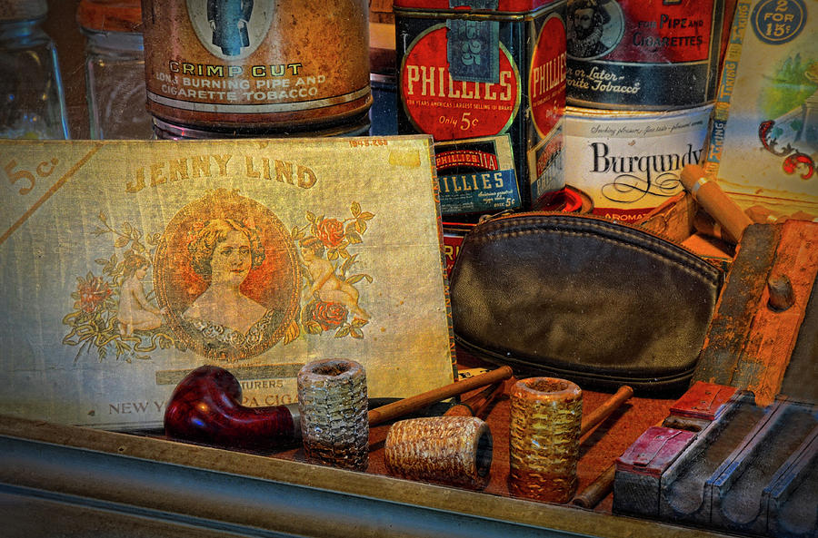Smoke Shop Photograph - The Old Smoke Shop by Dave Mills